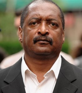 [PEOPLE] LE PÈRE DE BEYONCÉ, MATHEW KNOWLES, DOIT 1 MILLION DE DOLLARS AU FISC